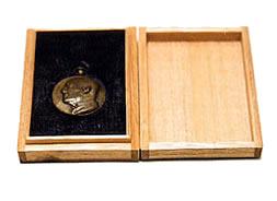 大島宇吉翁 胸像メダル