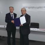 東海学園大学と名古屋市農業センターとの連携/協力に関する締結式 並びに「とうがく食育シアター」