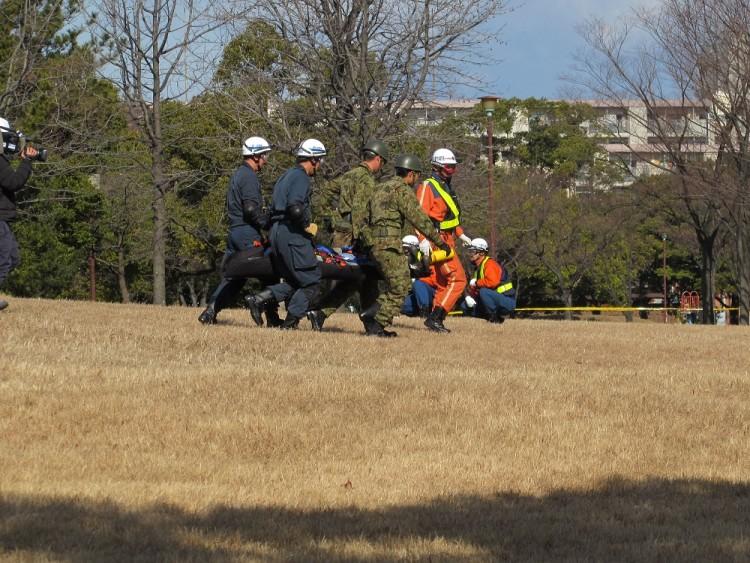 ヘリコプターによる4機関合同救助訓練