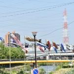 原駅前商店街 天白川に鯉のぼりを掲揚